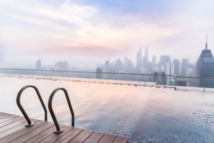 Eau de piscine : pourquoi la filtration est si importante ?