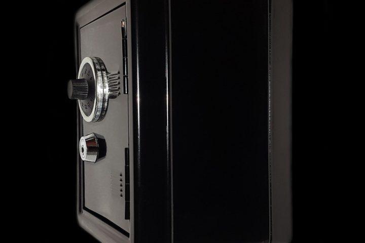 Astuces pratiques pour installer un coffre-fort chez soi