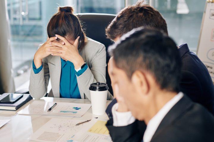 Que faire en cas de faillite ou liquidation d'une société pendant son congé ?