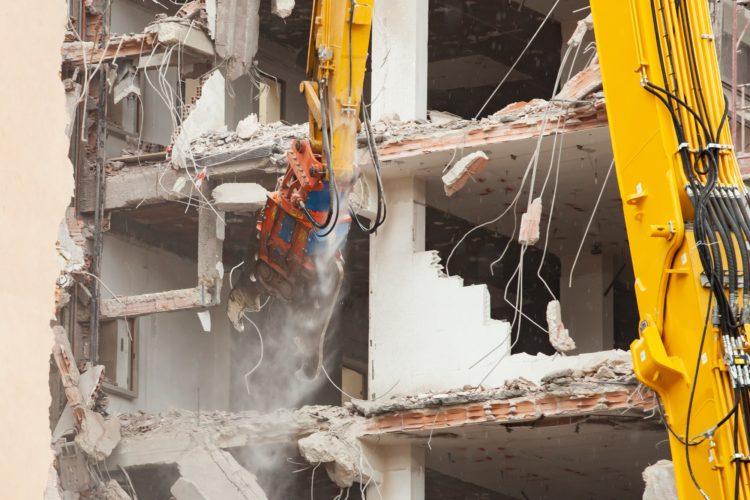 Les différentes étapes de la déconstruction d'une structure en béton