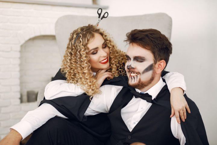 Si vous êtes en couple, choisissez un déguisement de couple
