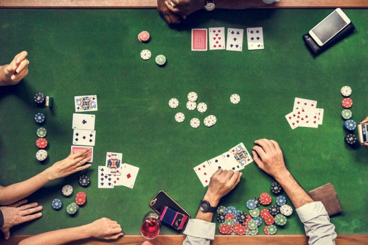 Débuter au poker