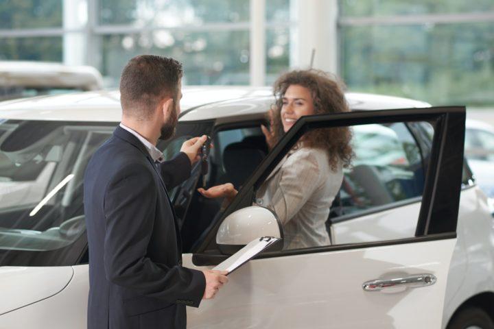 Avantages de l'achat de voiture neuve auprès d'un mandataire auto