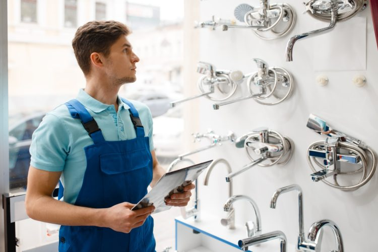 Petits travaux de plomberie : quand faut-il faire appel à un « vrai » artisan ?